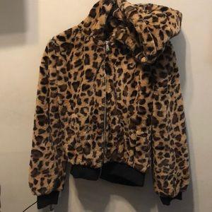 Jackets & Blazers - Leopard print fuzzy jacket